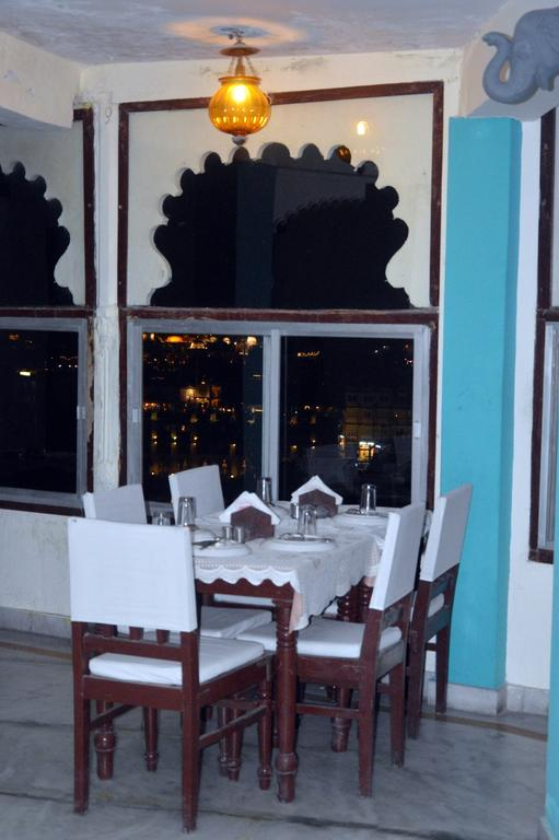 Lake View Guest House Udaipur Restaurant