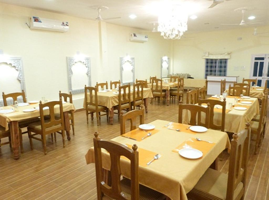 Devendragarh Palace Guest House Udaipur Restaurant